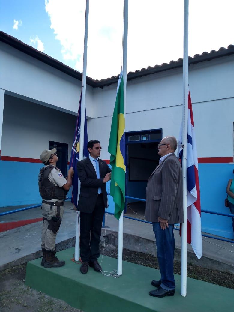Prefeitura de Coaraci é destaque na região por ser a primeira cidade do Litoral Sul a implantar sistema de ensino do Colégio da Polícia Militar.