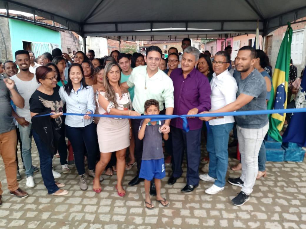 Prefeitura de Coaraci realiza obras de Pavimentação de ruas no Bairro Joia do Almada